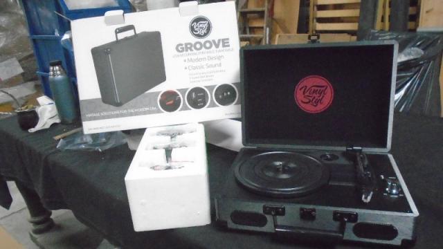 2. Vinyl Styl Groove - Rodriguez Fabeiro